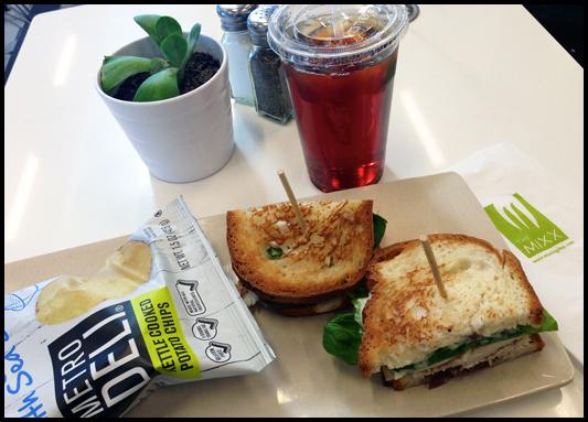 Chicken Sandwich & Chips - The Mixx